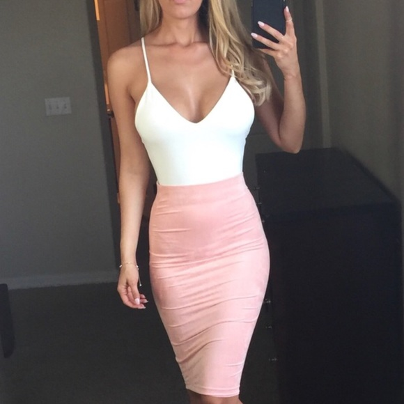 723e302d7ad6 Blush Pink Suede Midi Skirt S